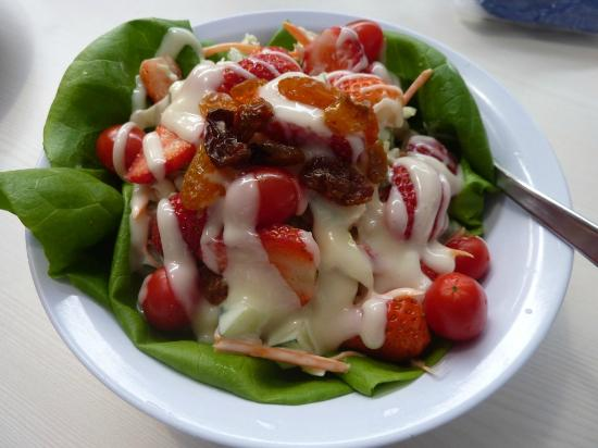 Strawberry Moment Dessert Cafe : Strawberry Salad cost RM8.90