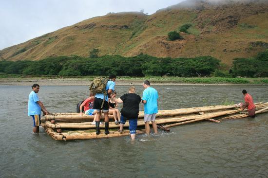 Adventures in Paradise Fiji : The raft