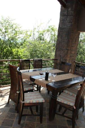 Eagles Nest Estate Guest House: Breakfast area
