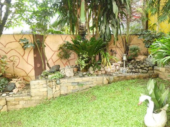 Keni Po: Garden 