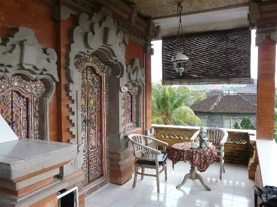 Kori Bali Inn: Outside Room 1, 2nd floor