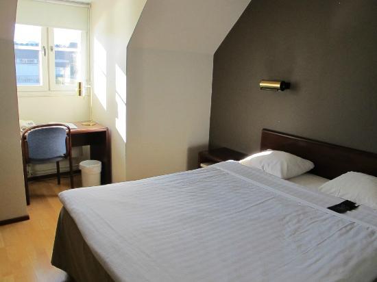 First Hotel Carlshamn: room