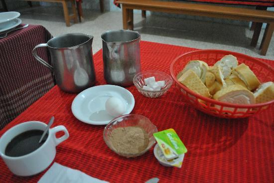 Hotel Marhala: Breakfast