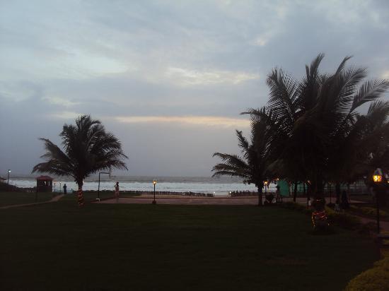 La Calypso Goa: BEACH FROM HOTEL