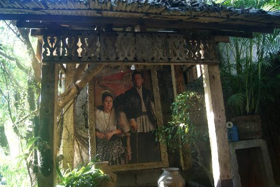 Yap Sandiego Ancestral House: portrait of the couple