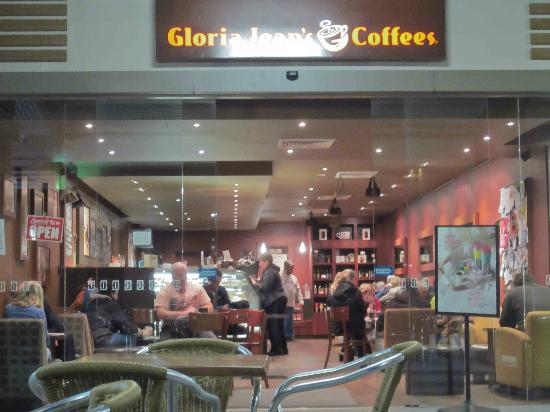 Gloria Jean's: Out the front of the cafe