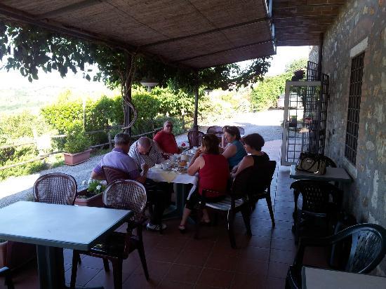 """Locanda """"Il Poderino"""": Colazione in veranda - LOCANDA IL PODERINO -"""
