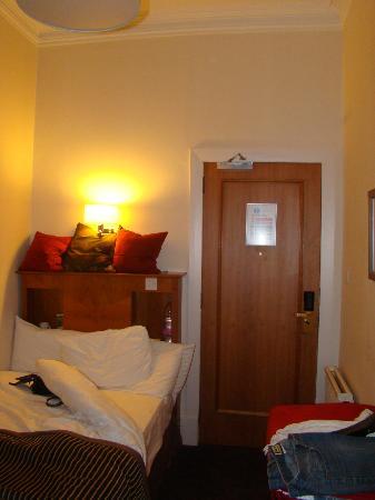 Mercure Aberdeen Caledonian Hotel: Bed