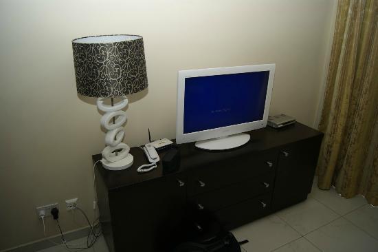 Onyx Apartments: TV