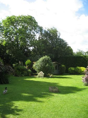 Cricket Field House : Gardens