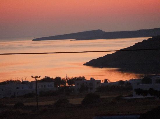 Petres: L'aurore sur Noussa, il est 5h30
