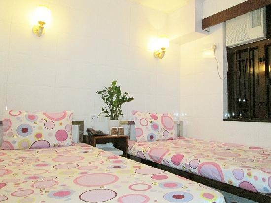 New Chung King Mansion Hostel: Twin Beds Room