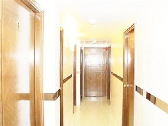 New Chung King Mansion Hostel: Corridor