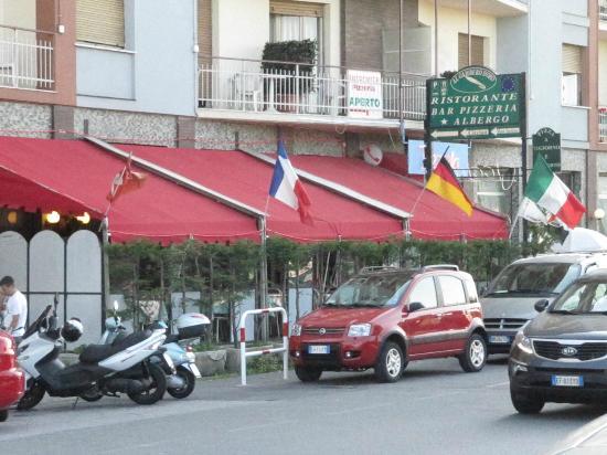 Al Gambero D'oro: Albergo+Pizzeria+Ristorante Bar Vista