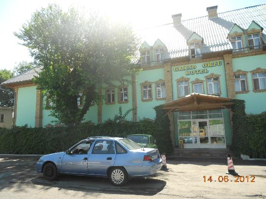 Grand Orzu Hotel: front side of the hotel