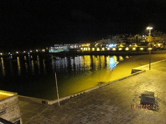 VillaCascais Guesthouse: Ночью с балкона