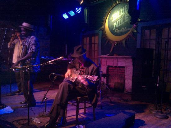 Frenchmen Street : One of the jazz clubs