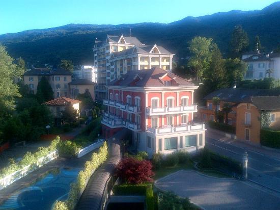 هوتل سبلينديد: View from hotel room to the south 