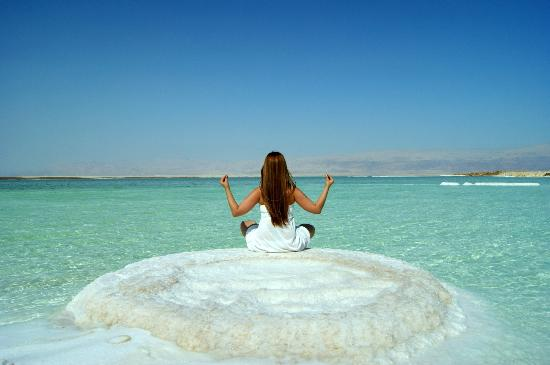 Dead Sea: Yoga at the lowest placeon Earth
