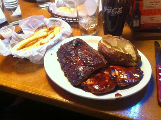 Texas Roadhouse : My combo meal with 2 sides - amazing!!