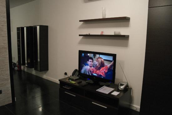 Pervanovo Apartments: TV & telephone