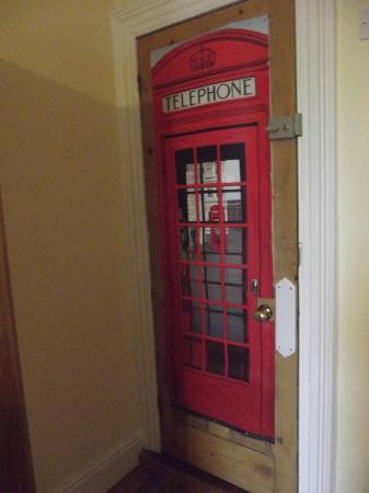 Harrington House Hostel: Room door