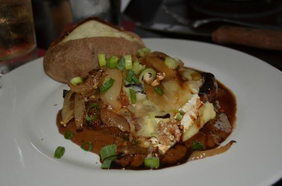Lakeside Bar & Grill: NY STrip Steak