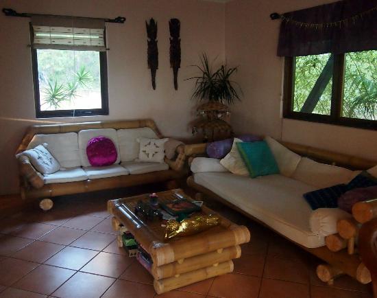 River'esque: Lounge area