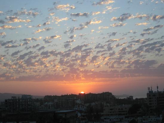 Portofino de Cabo Resort: sunrise from the deck