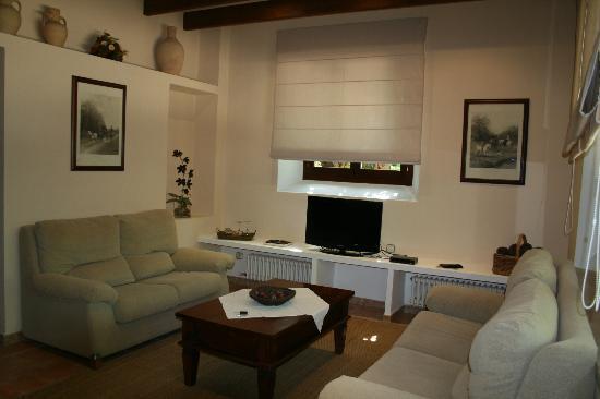 Agroturismo Alfabia Nou: Lounge area 2