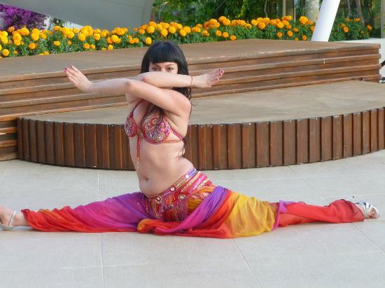 Club Med Bodrum Palmiye : animation avec la danseuse du ventre