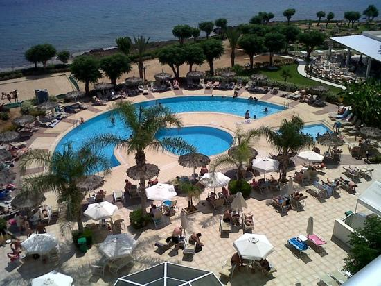 Pernera Beach Hotel: pool view