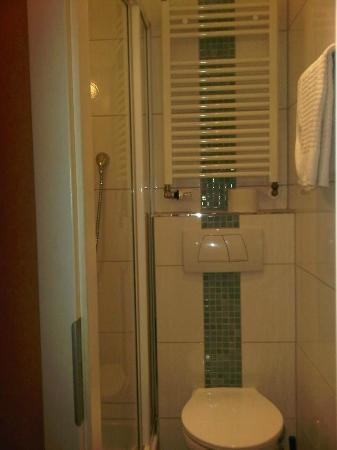 Rheinland Hotel: Badezimmer