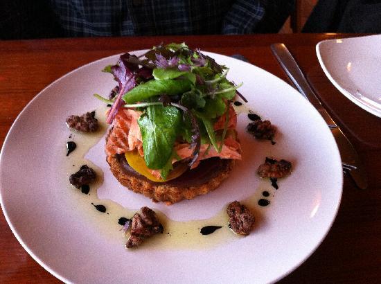 The Loft Restaurant & Bar : Smoked salmon, beet, goat cheese tart
