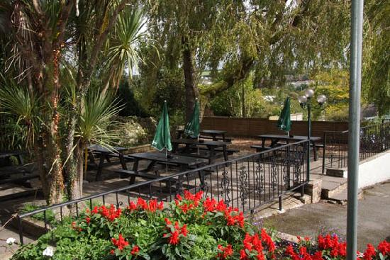 Royal Oak Inn: Our beer garden