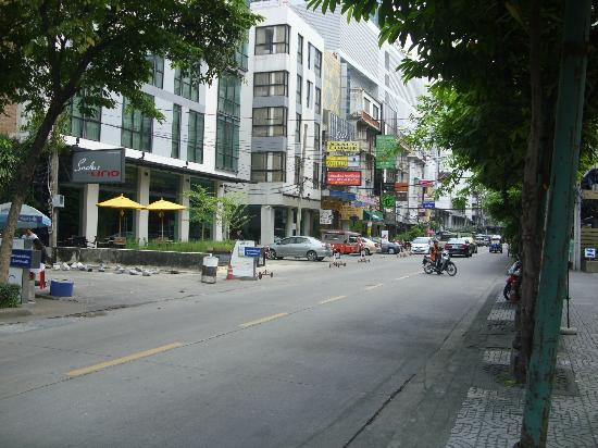 SilQ Bangkok: Street on which hotel is located
