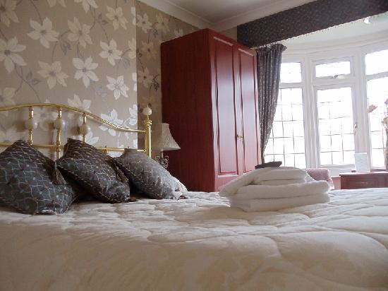 Sunningdale Guest House: Room 3
