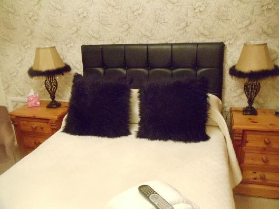 Sunningdale Guest House: Room 11