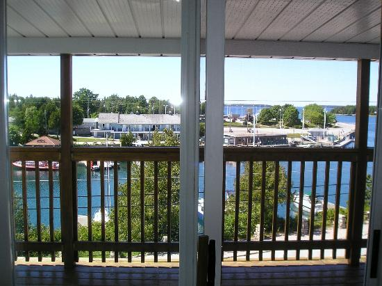 Tobermory Princess Hotel: Out the patio doors