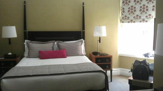 เซนท์เออร์มินส์โฮเต็ล: Our room
