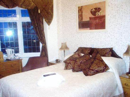 Sunningdale Guest House: Family, triple,double,twin and single rooms available