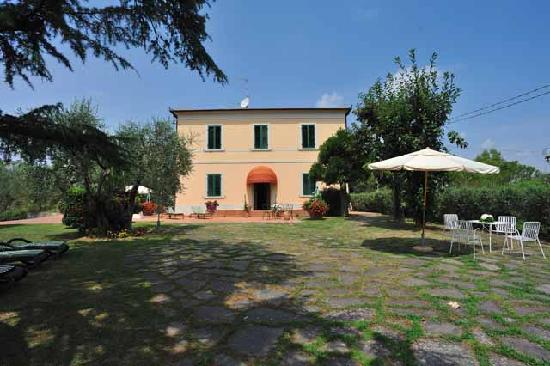 Villa La Nina: villa lato giardino