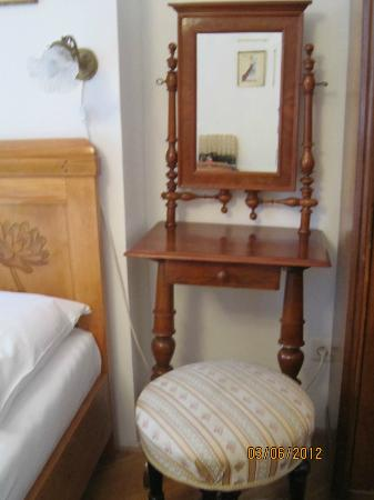 House at the Big Boot: Loved the quaint dressser and stool