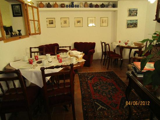 House at the Big Boot: Breakfast room