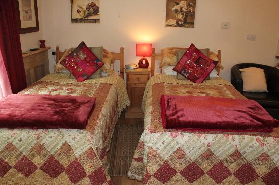 Culloden Farmhouse: Elm Twin Room