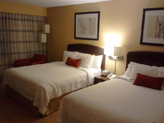 Courtyard Richmond Northwest/Short Pump: double queen beds