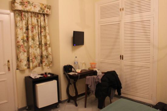 Hotel Abril: Interno camera