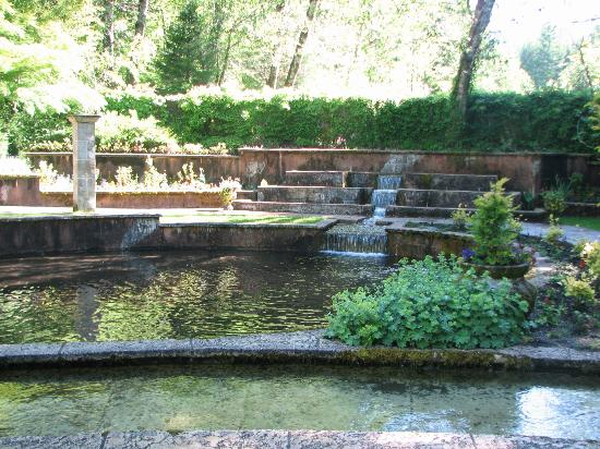 Belknap Hot Springs Lodge and Gardens: Secret Garden
