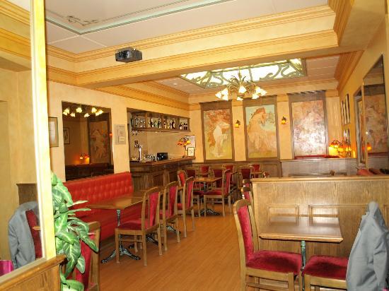 Hotel de la Paix: Breakfast room/Bar
