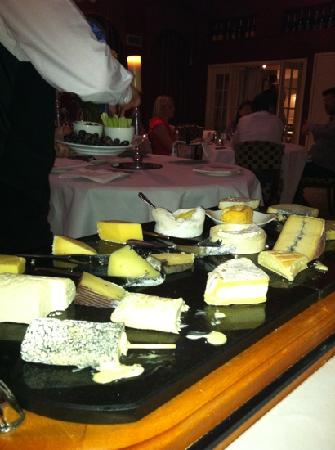Feversham Arms Hotel & Verbena Spa: Cheese trolley - divine!